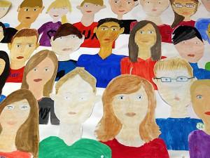 Schüler zeichnen eine Klasse