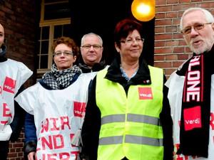 Bereit zum Streik: Verdi-Funktionäre, unter ihnen der Ortsvorsitzende Werner Fiedler (rechts).