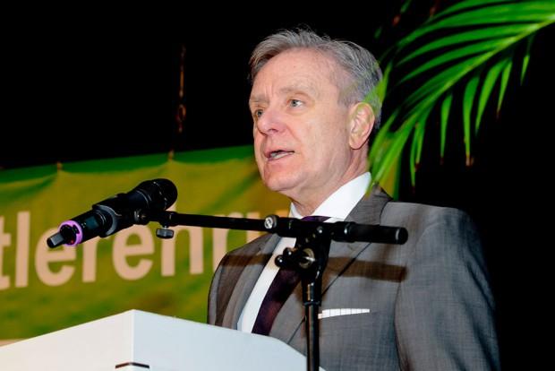 Horst Schiereck lobte das Engagement der Vereine und Sportler. Foto: Kirsten Weber