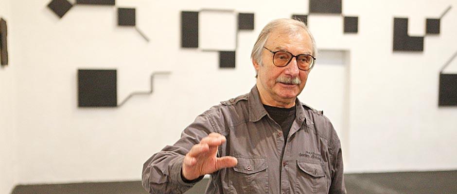 Helmut Bettenhausen - Szenen der Pressekonferenz zur Eröffnung seiner vier Ausstellungen. Foto: Horst Martens