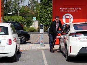 Stephan Becker von den Stadtwerken Herne will Stromtankstellen in den Gewerbegebieten. © Stadt Herne, Horst Martens