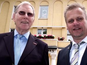 Hans-Joachim Drath übernimmt das Amt des Kreishandwerksmeisters von Hans Hausherr. © Stadt Herne, Horst Martens
