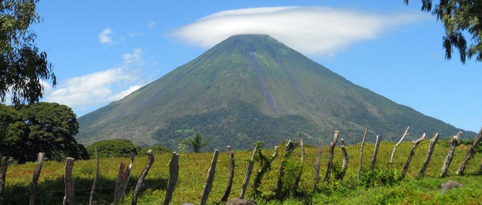 Der alles dominierende Vulkan Concepión auf Ometepe.