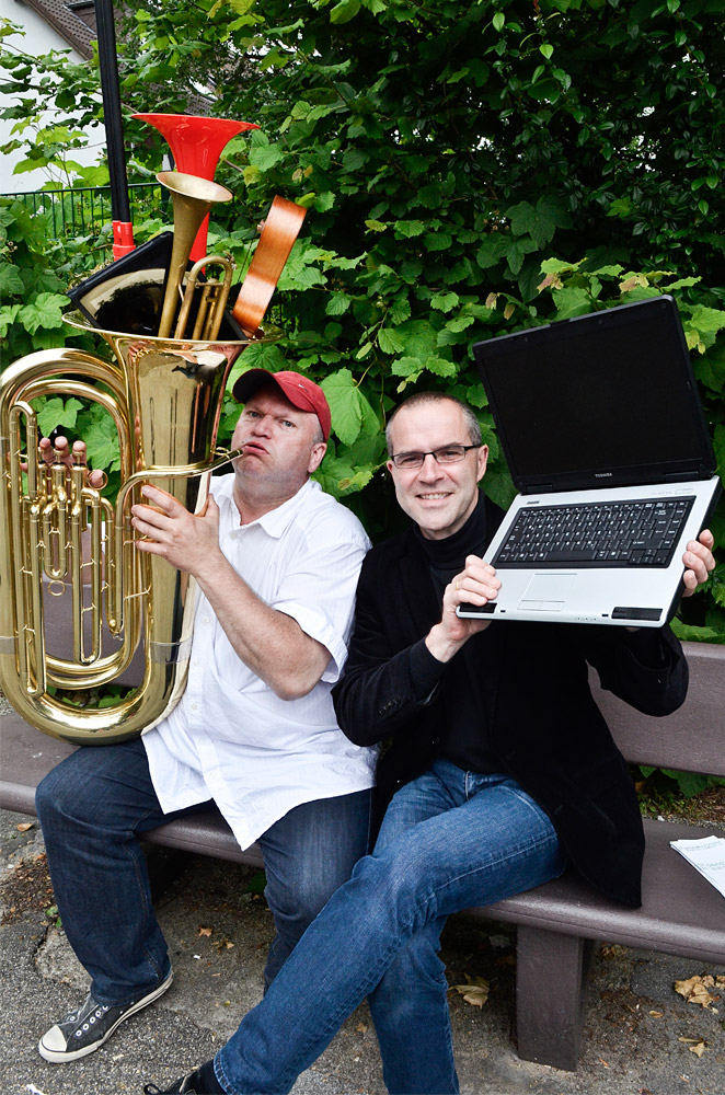 Christian Ribbe und kmkcmkmk freuen sich auf die musikalischen Experimente