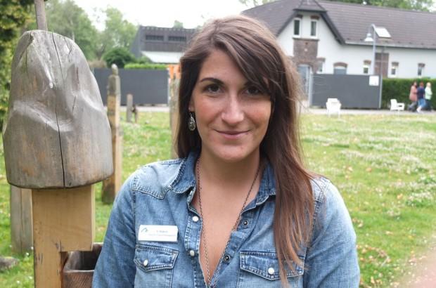 Die Stationspsychologin Stefanie Hakim führte den Reporter durch das Haus und durch den Skulpturengarten (Bild). © Stadt Herne, Horst Martens
