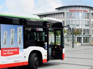 Neuer energieeffizienter Bus der HCR auf dem Willi-Pohlmann-Platz. ©Thomas Schmidt, Stadt Herne