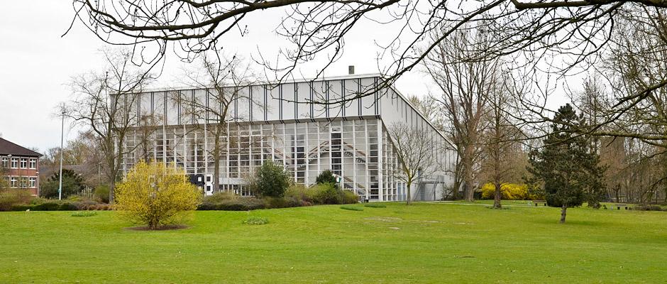 Blick auf die Dreifachturnhalle im Sportpark Wanne-Süd. © Thomas Schmidt, Stadt Herne.