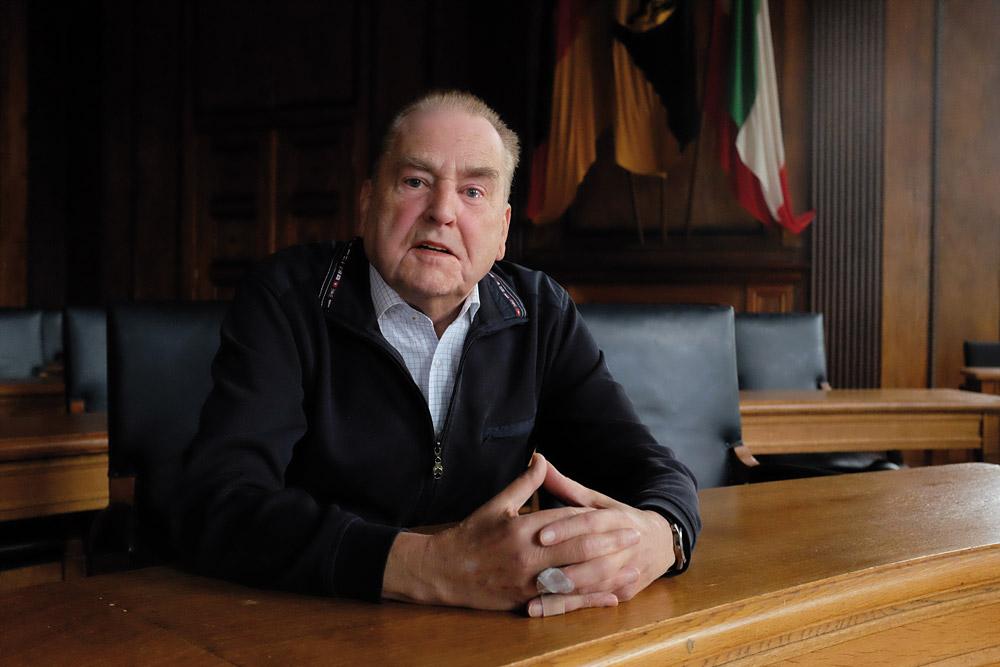 Josef Kohlenbach heute im Ratssaal des Herner Rathauses.© Thomas Schmidt, Stadt Herne