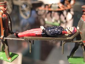 Zinnfiguren - eigentlich Spielzeug - mit tragischen Szenen. © Stadt Herne, Horst Martens