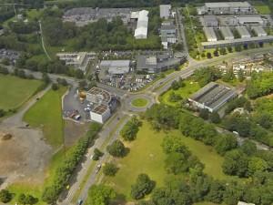 Links neben dem Kreisverkehr in der Mitte steht bereits das erste Gebäude, weitere sollen auf dem Dienstleistungspark Schloss Strünkede folgen. ©mediaxx
