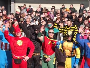Selbst die Superhelden kamen beim Rosenmontagszug in Herne in Stimmung. ©Stadt Herne, Michael Paternoga