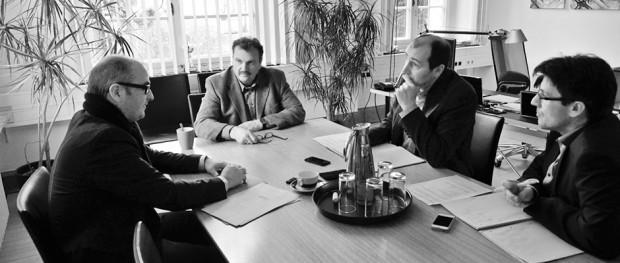 Achim Wixforth und Karlheinz Friedrichs im Interview mit den inherne-Redakteuren. © Thomas Schmidt, Stadt Herne