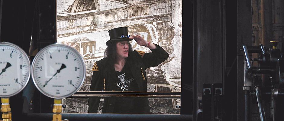 """Graf Hotte zeichnet das rockige Video """"Das Steigerlied"""" auf. © Uwe Kühnapfel."""