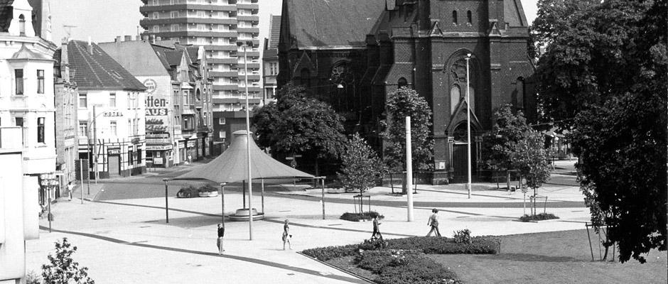 Seit August 1978, damals schoss der Herner Stadfotograf dieses Bild, hat sich einiges getan am Europaplatz. © Bildarchiv der Stadt Herne.
