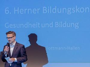 Moderiert wurde die 6. Herner Bildungskonferenz von Martin von Berswordt-Wallrabe.