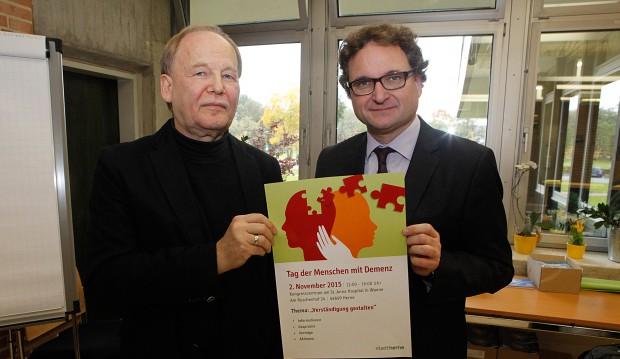 Klaus Winkler, Abteilung Gesundheitsförderung, und Dr. Peter Nyhuis, Chefarzt und Ärztlicher Direktor  des St. Marienhospitals Eickel.