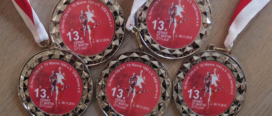 Die Medaillen liegen schon bereit. ©Michael Paternoga, Stadt Herne