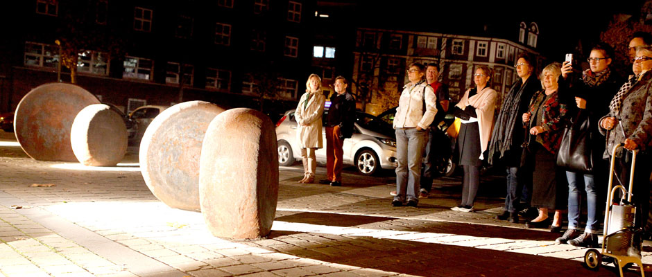 """Die """"Herner Ronden"""" im Scheinwerferlicht. © Stadt herne, Horst Martens."""