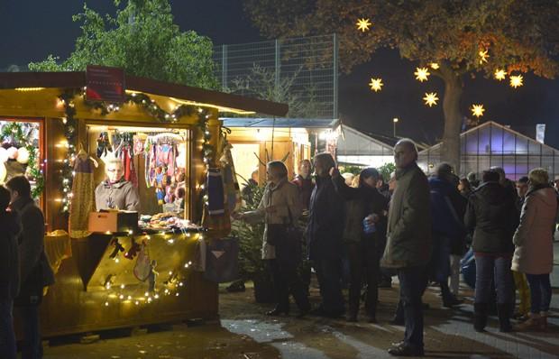 Atmosphärisch einer der schönsten Weihnachtsmärkte in unserer Stadt: der Adventsmarkt der WfB. In diesem Jahr ist er am 20. und 21. November geöffnet. Foto: WfB / Stefan Kuhn.