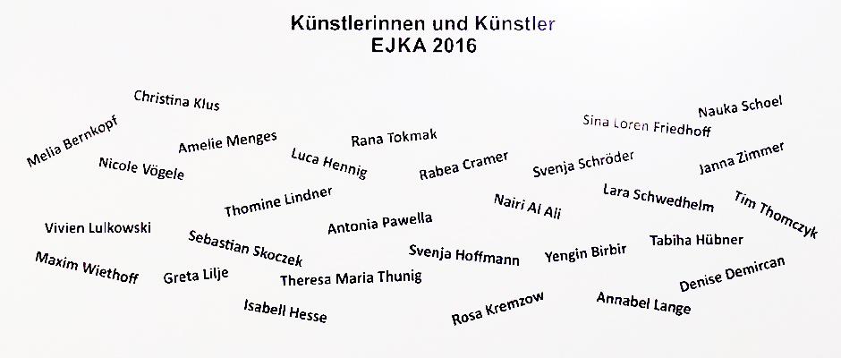 Die Namen der jungen Künster, alle auf einer Tafel vereinigt.