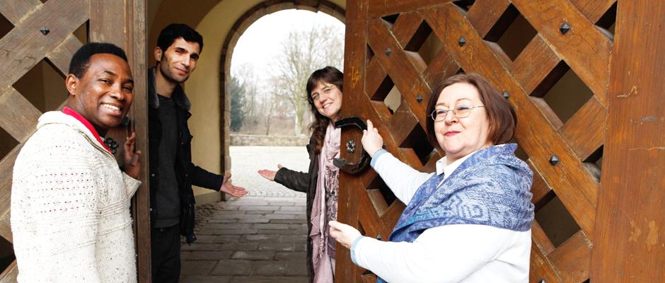 Offen für die Willkommenskultur: Manuel Gomes, Mehmet Akcadag, Kirsten Büttner und Jutta Sosna-Grabelus. © Stadt Herne, Horst Martens