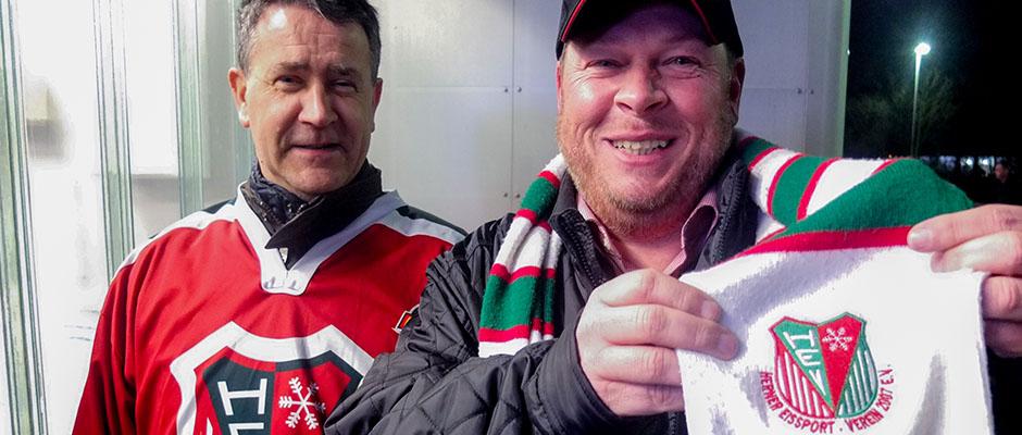 Marcus Luzar (r.) und Heribert Wolski stehen zu ihrem HEV. Foto: Michael Paternoga