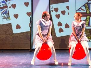 """""""Alice im Wunderland"""" ist der Wettbewerbsbeitrag des Schlosstheaters Moers. Foto: Lars Heidrich / FUNKE Foto Service"""