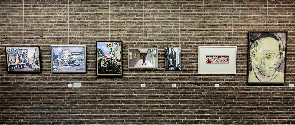 Leihgaben in der vhs-Galerie. © Frank Dieper, Stadt Herne.
