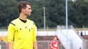 Tauscht in der nächsten Saison die Fahne gegen die Pfeife bei seinen Einsätzen in der Regionalliga West: Fußball-Schiedsrichter Selim Erk | Foto: David Hennig.