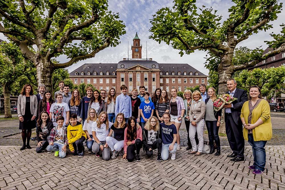 Diese Schülerinnen und Schüler haben sich Gedanken über klimafreundliche Mobilität gemacht. Foto: Frank Dieper / Stadt Herne