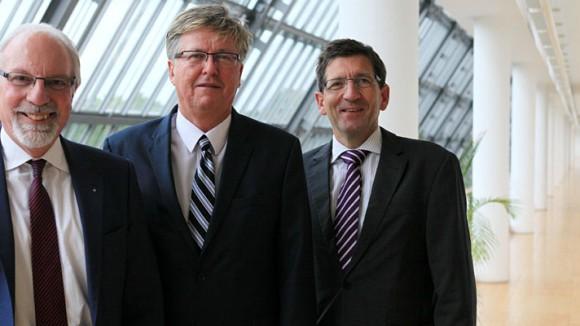 Dr. Joachim Grollmann, Rainer Schiffkowski und Michael Blume kooperieren seit 2002 in Sachen Wirtschaftsförderung. © Philipp Stark, Stadt Herne