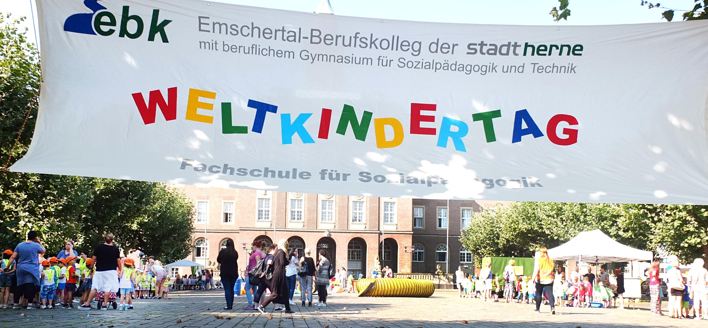 Weltkindertag auf dem Friedrich-Ebert-Platz.