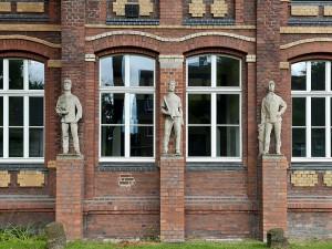 Die Figuren vom Drei-Männer-Eck freuen sich auf viele Besucher. @ Thomas Schmidt, Stadt Herne