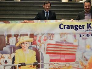 Das neue Banner für die Cranger Kirmes. © Philipp Stark, Stadt Herne