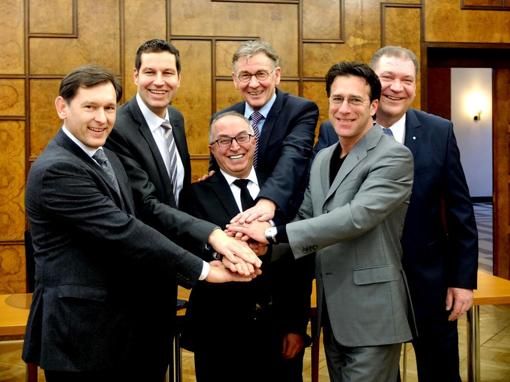 Die Vereinsgründer: Martin Klinger, Dr. Frank Dudda, Thomas Eiskirch, Sükrü Özvatan, Prof. Dr. Jürgen Bock , Eric Weik. Foto: Nina-Maria Haupt, Stadt Herne.