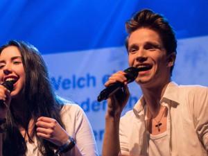 """""""Ostern live"""" - unter anderem mit den Solisten Jamie Bieberschulte und Raphael Groß."""