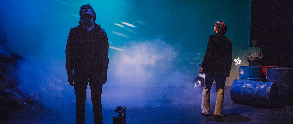 """Nils Beckmann kehrt dem Theater den Rücken - """"Tschick"""" Szenenbild, © Mischa Lorenz"""