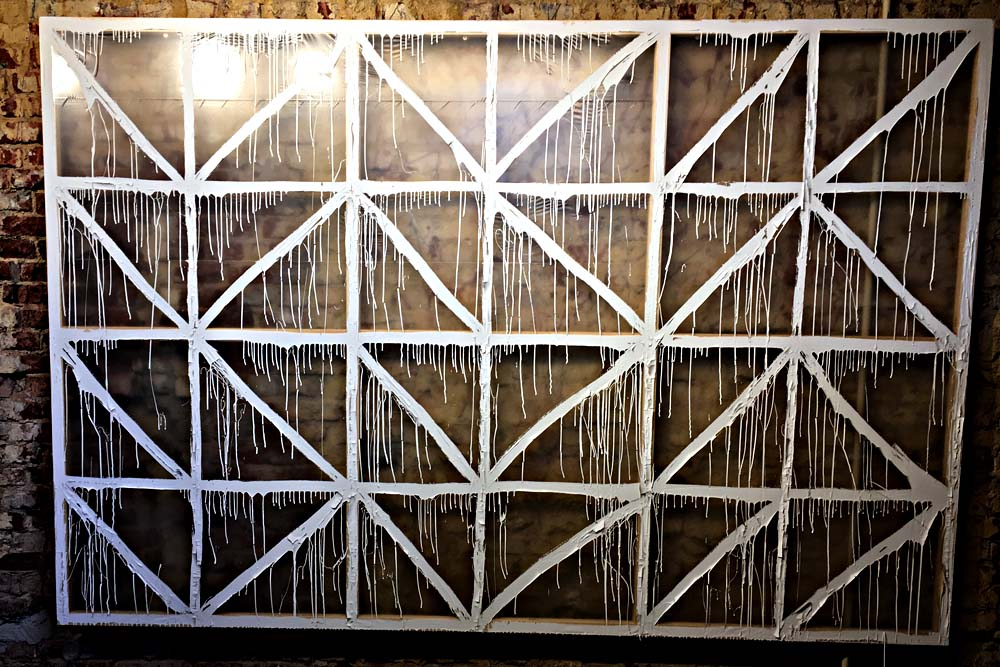 Tocka: Struktur. Heizkörperlack auf Abdeckplane. © Horst Martens