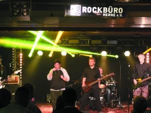 Lokalrunde im Rockbüro. Bild: Band Das weisse Rauschen Live bei der Lokalrunde - Foto: Björn Koch