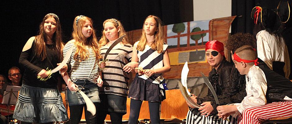 """Schultheaterfestival 2016: """"Die Piratenschule"""", aufgeführt von der Realschule Sodingen. © Stadt Herne, Horst Martens"""