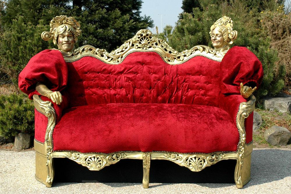 """Die """"sprechende Couch"""" - in Herne sehr beliebt."""