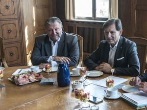 Verkünden 100 neue Stellen: Die Firma H2K und das Bündnis für Arbeit. ©Thomas Schmidt, Stadt Herne