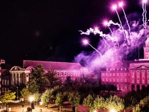 Rathaus Herne mit pyrotechnischem Spektakel. © Stadtmarketing Herne