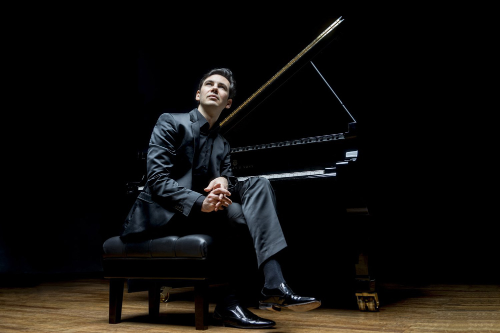 Martin Stadtfeld (Klavier) tritt mit der Neuen Philharmonie Westfalen auf. © Marco-Borggreve-Sony
