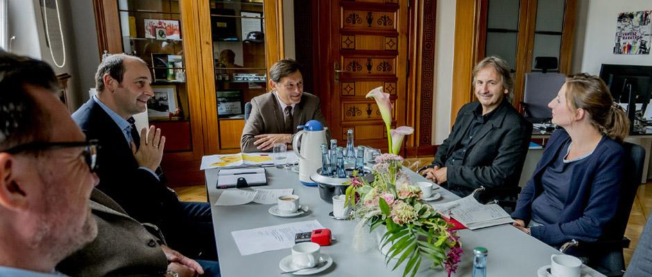 Pressegespräch zum Thema China-Beziehungen: v.l.n.r. Pressesprecher Christoph Hüsken, OB Dr. Frank Dudda, Prof. Dr. Thomas Happe und Dr. Christina Marx. © Stadt Herne, Frank Dieper.