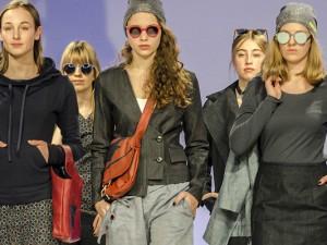 Faire Mode von Susa Flor auf dem Catwalk. © Thomas Schmidt