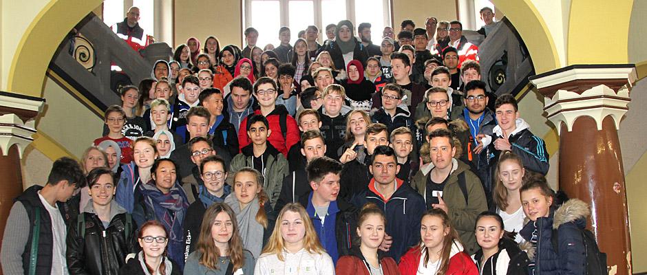 Alle diese Schüler des Gymnasiums Eickel nahmen am Erste-Hilfe-Kurs teil.