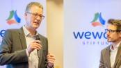 Rochus Wellenbrock, hauptamtlicher Vorstandsvorsitzender der wewole STIFTUNG und Geschäftsführer der einzelnen Gesellschaften und Moderator Martin von Berswordt-Wallrabe.© Stefan Kuhn / Wewole
