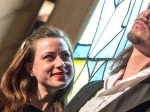 Als nerviges Girlie Gundula Trautmann stand Melanie Linka zum ersten Mal vor den Palastgästen und verführte Friedbert Zibulla (Luis Volkner). © Mondpalast