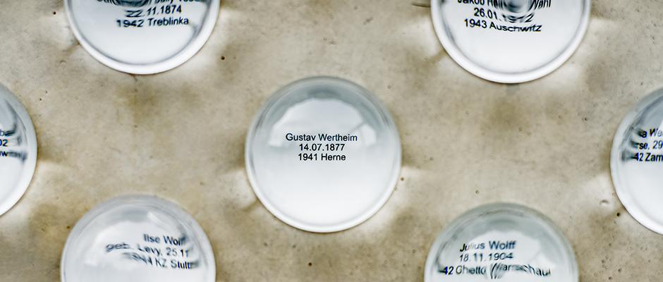 Gustav Wertheim ist auch in einem der Okulare verewigt. ©Frank Dieper, Stadt Herne.